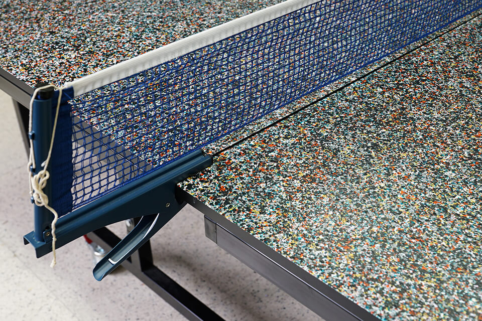 「WM」<br /> 2016<br /> 274×152.5cm<br /> 既存の卓球台にペイント。温泉卓球として使用可能。<br /> acrylic direct on object (table tennis table)<br /> 湯郷グランドホテル「白菊の間」/岡山