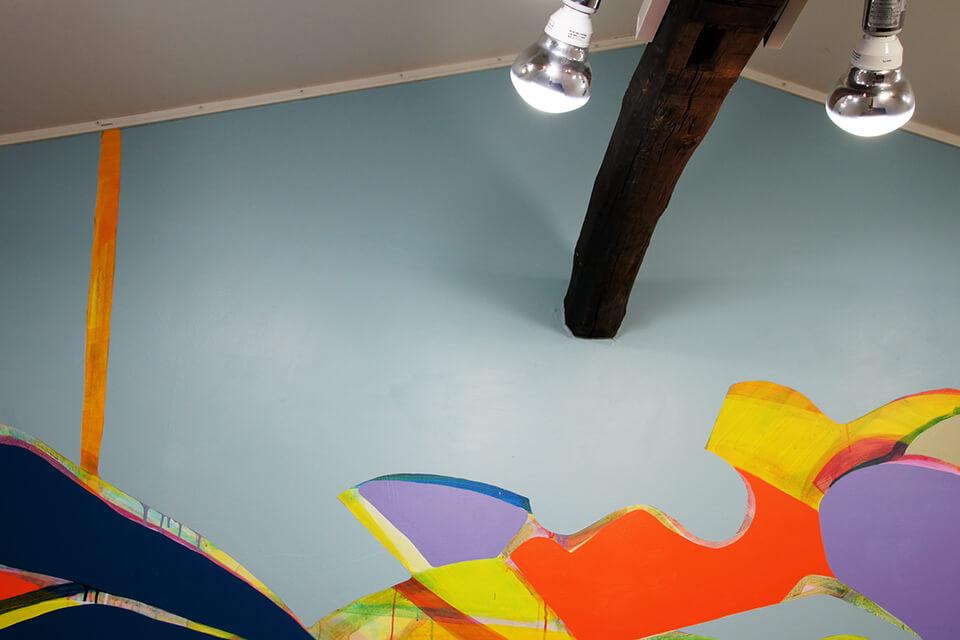 「悲しいほどお天気」<br /> 2011<br /> 310×392cm detail<br /> acrylic direct on wall