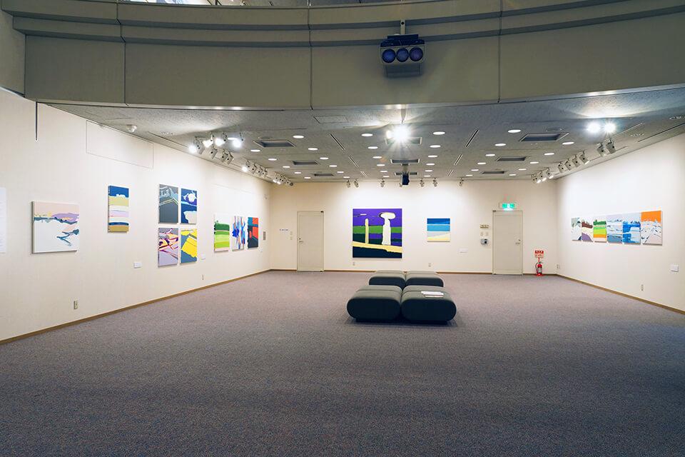 「僕は毎晩、2時間旅をする」<br /> 2012<br /> Exhibition site view<br /> サクラアートミュージアム/大阪