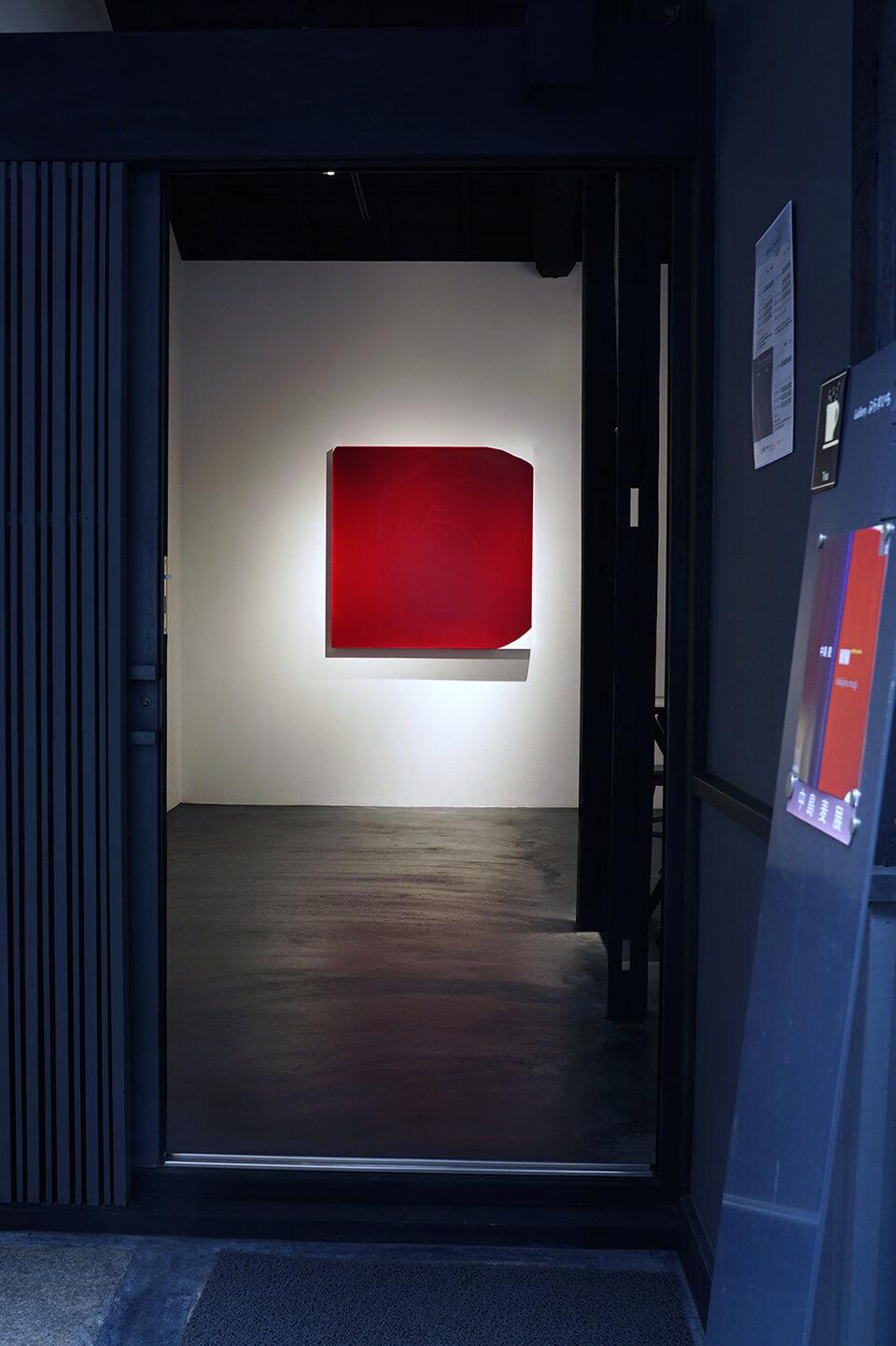 「WM-M」<br /> 2017<br /> 100×100×4.5cm<br /> acrylic on canvas