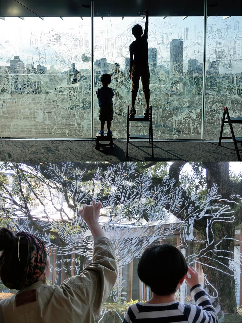 「コチラとムコウ」<br /> 窓のムコウ側に見える景色を、コチラ側の窓ガラスに特殊なマーカーで描くワークショップ<br /> [上]2017/サントリー美術館/東京<br /> [下]2017/滋賀県立近代美術館[クロージングイベント]