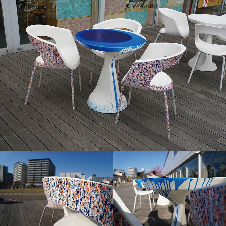 「絵画展…なのか?」<br /> 2019<br /> Exhibition site view<br /> <br /> 「WM-atlia garden table」<br /> 2019<br /> 75×70×70cm<br /> acrylic direct on garden table<br /> <br /> 「WM-atlia garden chair」<br /> 2019<br /> 77×60×52cm 3点<br /> acrylic direct on garden chair<br /> <br /> 川口市立ギャラリー・アトリア/埼玉